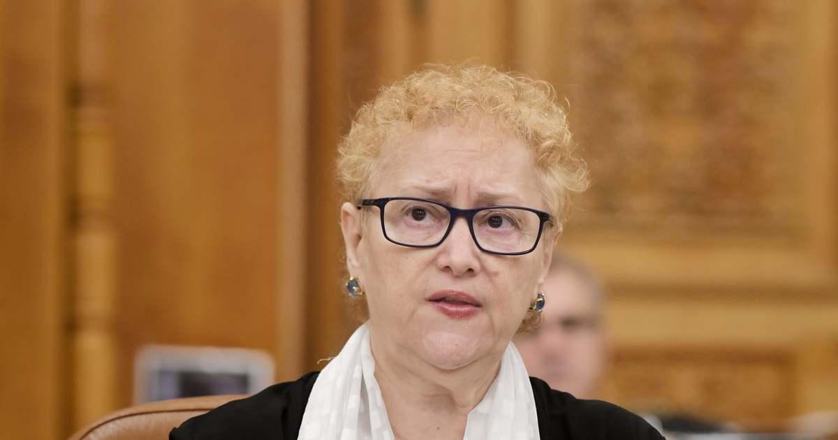 Decizie CCR: Revocarea Avocatului Poporului, neconstituțională. Renate Weber se întoarce în funcție - Ziarul de Banat